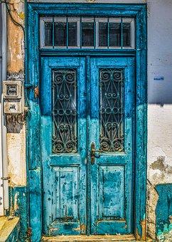 door-2746980__340