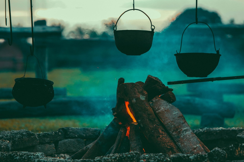 campfire-1846142_1280