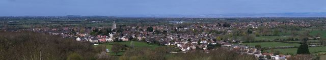 2000px-Yatton_from_Cadbury_Hill